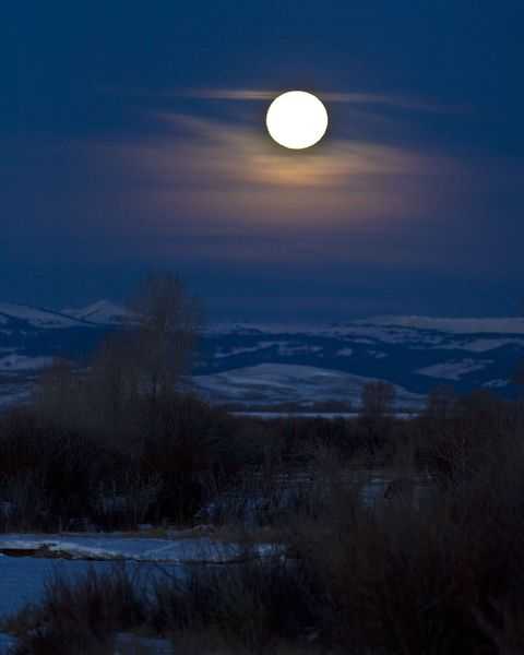 Moon Set Over Daniel Valley. Photo by Dave Bell.